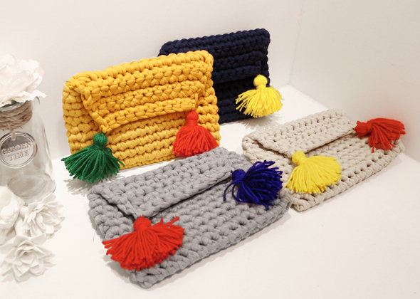 [SALE] knitting clutch bag