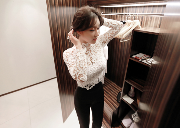 basic lace blouse