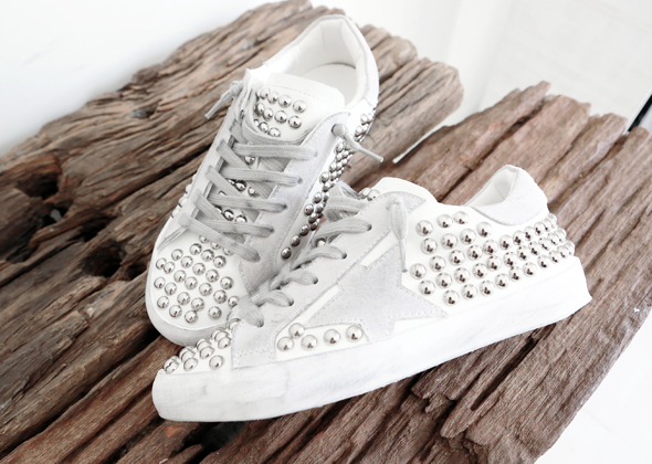 round stud sneakers