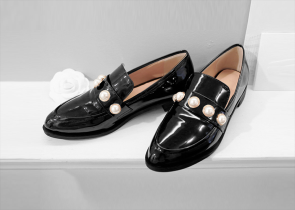 deluxe pearl loafer