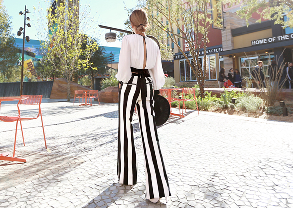 walking stripe pants