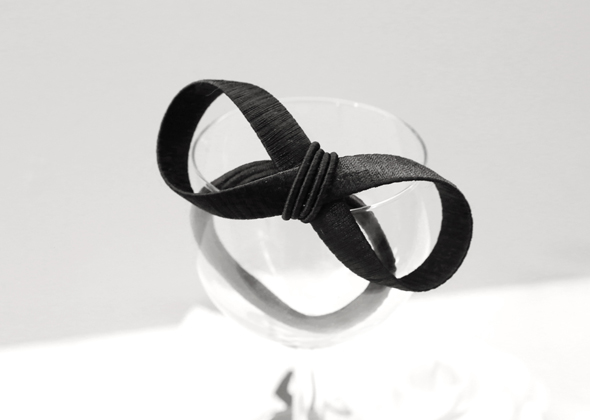 chic ribbon hair strap
