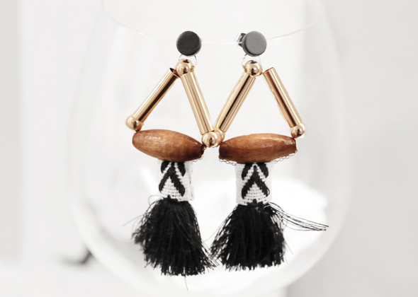 ethnic wood earing