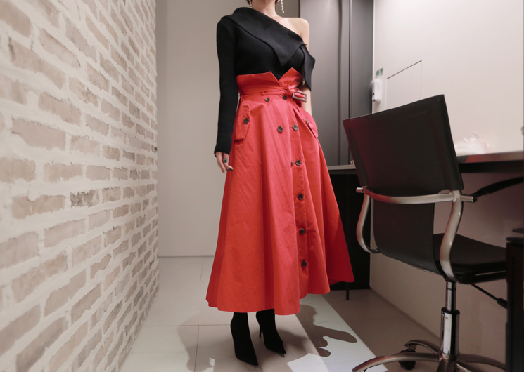 rise trench skirt