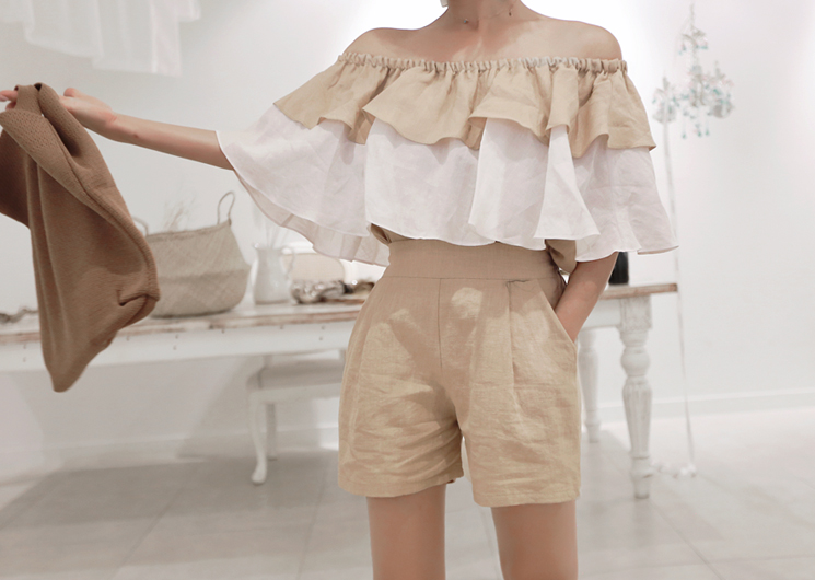 hear off shoulder blouse (beige)