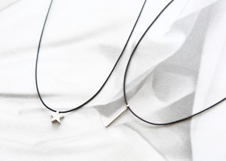 simple point necklace