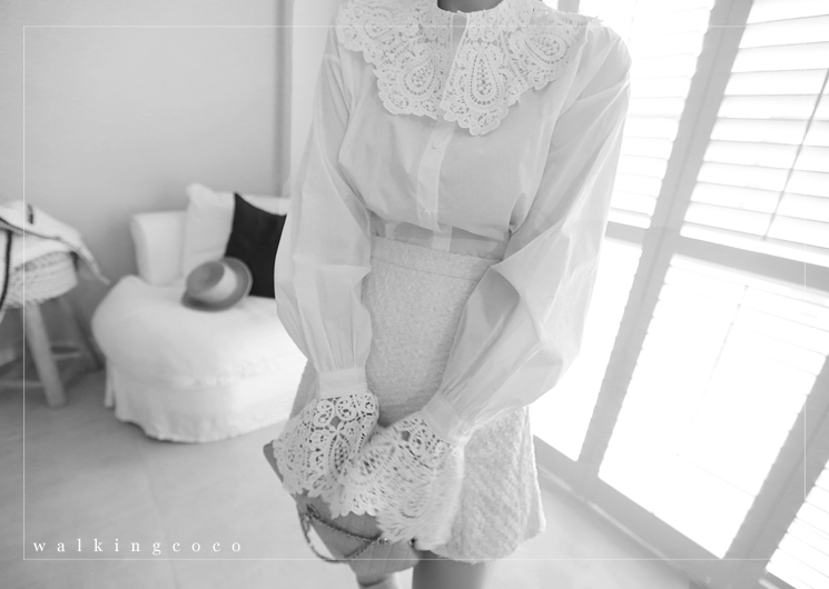 romantic frill blouse