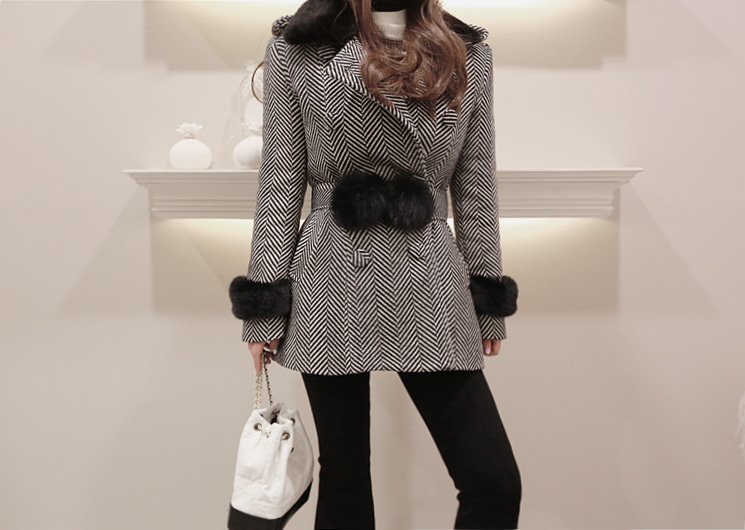 welcome half coat (black)