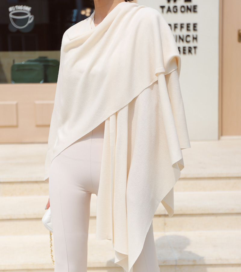 classic knit cape (cream)