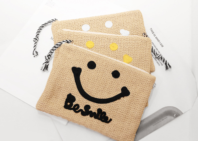 [SALE] smile clutch