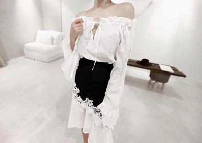 shoulder ruffle blouse