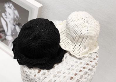 slight hat